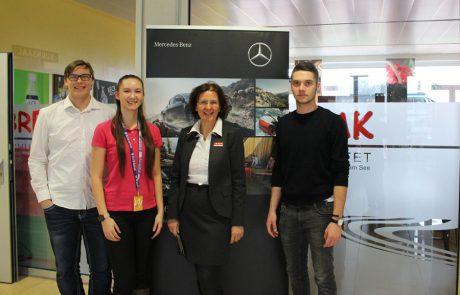 Uebungsfirmamesse_Messestand Mercedes-Benz
