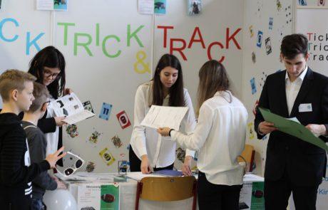 Uebungsfirmamesse_Messestand_Trick_Track