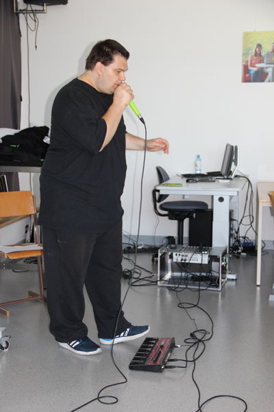 Hak Neusiedl fii-beatbox fii