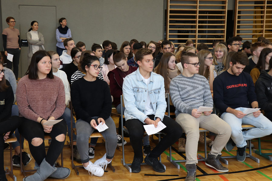 Schülerinnen und Schüler der AKWI