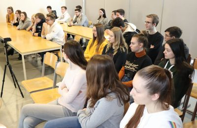 Schülerinnen und Schüler HAK Neusiedl