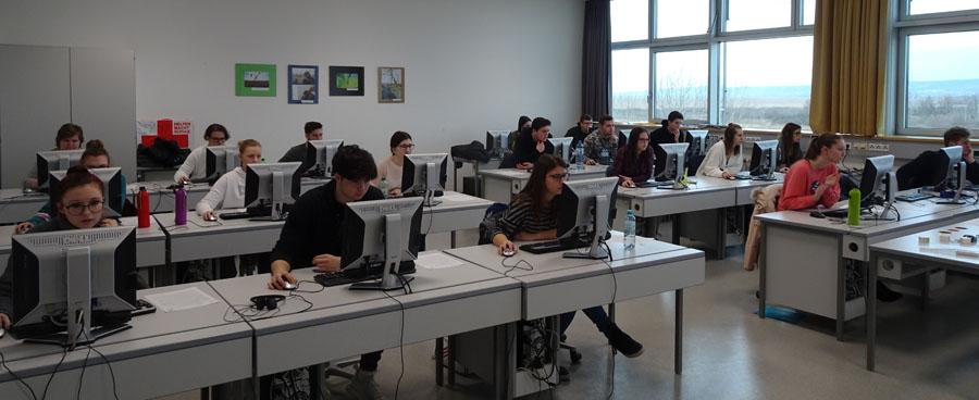 Schülerinnen und Sschüler HAK Neusiedl