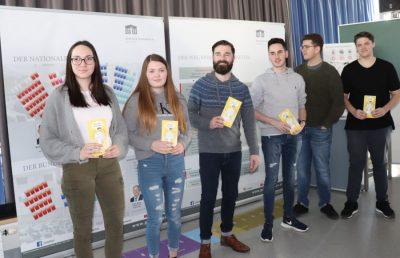 Schülerinnen - Vortrag Demokratie